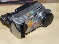Sony Cyber-shot DSC-S50 2.1MP Digital Camara - Plateado