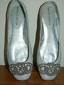 ANTONIO MELANI Silver Leather Evening Flat Shoes GORGEOUS RHINESTONE BAUBLE 7.5