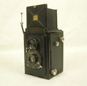 Vintage Voigtlander TLR Briliant Camera with Leather Case