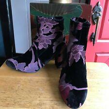 """STEVE MADDEN sz 8.5 Black & Rose Mauve Burnout Floral Velvet Boots 3"""" Heel"""