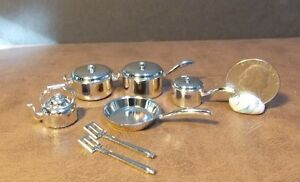 Dollhouse Miniature Silver Cookware Pots Pans 1:12 inch scale F10 Dollys Gallery