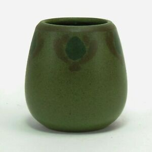 Marblehead Pottery unusual decorated Arts & Crafts matte green vase peacock