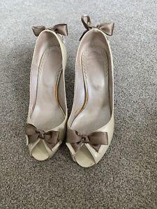 Ladies Size 37/ 4 Heels Nude