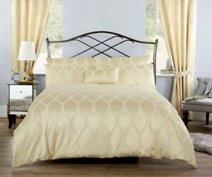 Vantona Verona Jacquard Duvet Cover Set,Cushion Cover & Curtain(Sold Separately)