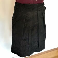 CUE Black Skirt Size 10 (10-12) With Pockets. Embossed Floral Exposed Zip