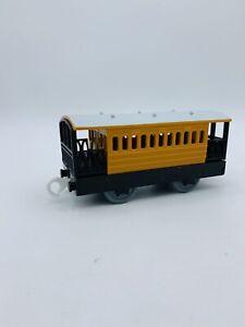 Thomas & Friends Trackmaster Cargo Henrietta Coach Car