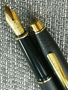 Cross Classic Century Fountain Pen Black Gold 23K Gold Trim Fine Point