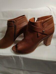 Steve madden boots 10