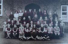 "PRINT 10"" X 7""  SCHOOL CHILDREN OUTSIDE BAUGHURST SCHOOL HAMPSHIREc1948"
