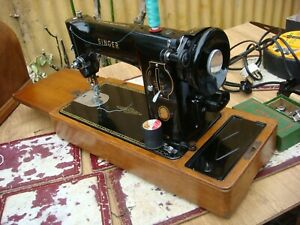 Antique Old Vintage Electric Feather weight Singer Sewing Machine Model 201K