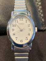 Timex Ladies Watch SR 521 SW Quartz Oval Case Silver Tone Stretch Band Vintage