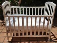 Children's cot /crib / toddler bed