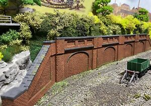 OO Gauge Low Relief Single Arch Brick Red Retaining Walls Sloped Sections
