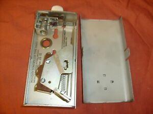 Vintage Honeywell Humidity Controller Model HA45D-1017-1 gold tone, nice / h4