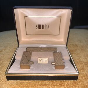 Vintage SWANK Cuff Links & Tie Bar Clip 3 Piece Set Swiss Diamond Cut Gold Tone