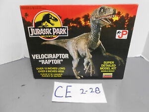 Vintage Jurassic Park Velociraptor Raptor JP Plastic Model Kit 70272 Lindberg