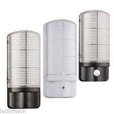 Black/White Outdoor 7 Watt LED Bulkhead Wall Light integrated LED photocell/PIR