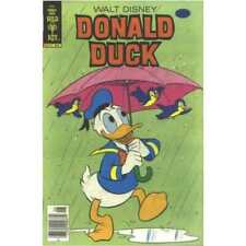 Donald Duck (1940 series) #208 in Fine minus condition. Dell comics [*z9]