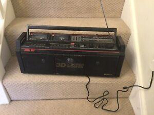 Hitachi TRK-3D8E 3D Boombox  1980