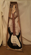 """Carlo Robelli """"Modern Strat Style"""" Electric Guitar, New-Old-Stock!!"""