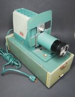 Argus 300 Slide Projector - Vintage and working in case
