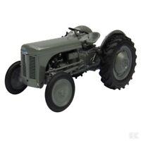 Universal Hobbies Massey Ferguson TEA 20 1:32 Scale Model Tractor