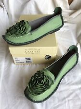 L'artiste Spring Step Dezi Slip On Leather Flower Shoes Size 41 US 9.5-10 Green