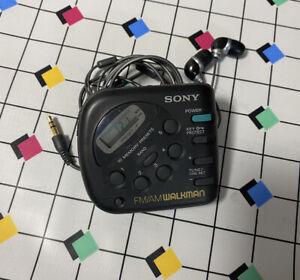 Sony FM/AM Walkman Radio SRF-M32 C19 Tested Headphones