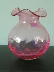 """A PRETTY VICTORIAN CRANBERRY GLASS VASE WITH WAVY RIM: 5.75"""" TALL: VG CONDITION"""