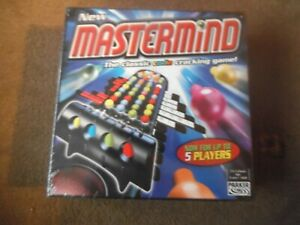 PARKER GAMES ~ MASTERMIND Code Cracking Game 2004 Age 8+  NEW
