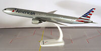 American Airlines Boeing 777-300ER 1:200 Herpa Snap-Fit  609739 Modell B777 AA
