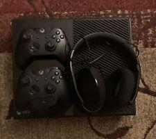 Microsoft Xbox One 500GB Console Bundle
