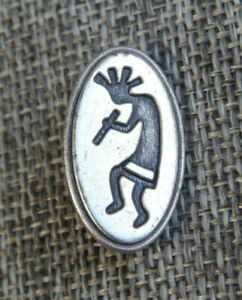 """Antique Vtg  White Metal Button Kokopelli~Aprx:1""""~#1310-D"""