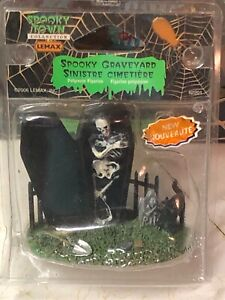 NEW SPOOKY GRAVEYARD #62201 LEMAX SPOOKY TOWN COLLECTION