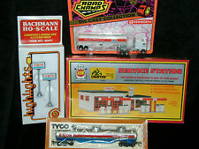 AHM ** EXXON SERVICE STATION SET W/TRUCK LIGHTS + * Kit * HO Scale Train* SEALED