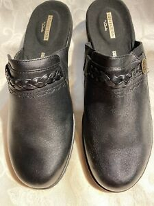 Clarks Women's New Black Backless Clogs With Braids And Buttons Sz 9/40
