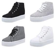 Markenlose Damen-High-Top Sneaker aus Textil