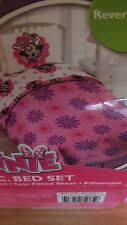 Disney Minnie Mouse 4 piece twin bedding Reverse Comforter + Bonus tote