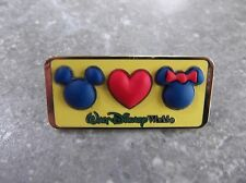 DISNEY WDW MICKEY LOVES MINNIE MOUSE FREE D PIN HEAD ICON