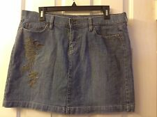 DKNY Size 10 Medium Wash Denim Mini Skirt w/Embroidered Floral Appliqué
