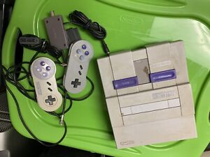 Super Nintendo Entertainment System SNES Console With AV And Controllers Working