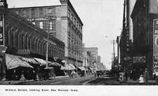 Des Moines Iowa Walnut Street Antique Postcard J45014