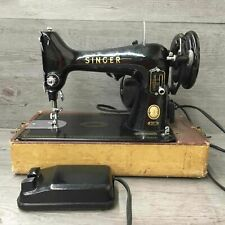 Vintage Singer Model 99 Sewing Machine In Case