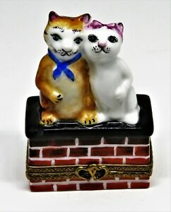 LIMOGES FRANCE BOX - PARRY-VIEILLE - CATS IN LOVE - KITTENS - KITTY - HEARTS