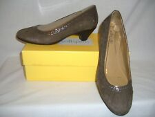 SOFT SPOTS Taupe Grey Suede Leather SHERIDAN  Pumps Shoes - 11 M - NIB