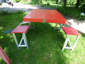 Table Rod Picnic Red 4 Seats Benches Incorporated
