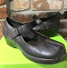 Born BOC Brown leather mini Wedge Shoes Women's 9