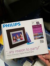 "Philips Home Essentials Digital Photo Frame 7"" LCD Brown Wood Frame."