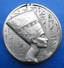 QUEEN NEFERTITI EGYPT / HIEROGLYPHIC / SILVERED MEDAL / POULAIN / RARE (M.10a)