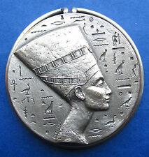 QUEEN NEFERTITI EGYPT / HIEROGLYPHIC / SILVERED MEDAL / POULAIN / RARE (M.10a)